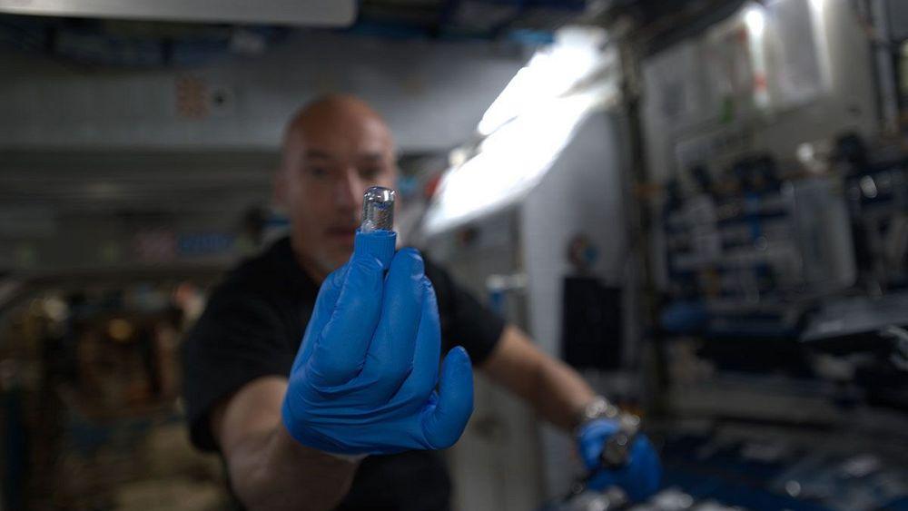 بكتيريا آكلة للحديد وطابعة للأنسجة الحية في الحلقة الخامسة من سلسلة الفضاء