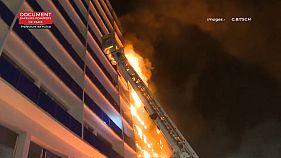 Una mujer fallece al incendiarse un hospital en París
