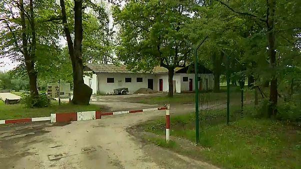 Eslovénia aumenta cerca de arame farpado na fronteira com a Croácia