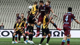 UEFA Avrupa Ligi play-off turu ilk maçında Trabzonspor, Yunanistan temsilcisi AEK ile OAKA Spyros Louis Stadı'nda karşılaştı. ( Andreas Papakonstantinou - Anadolu Ajansı )