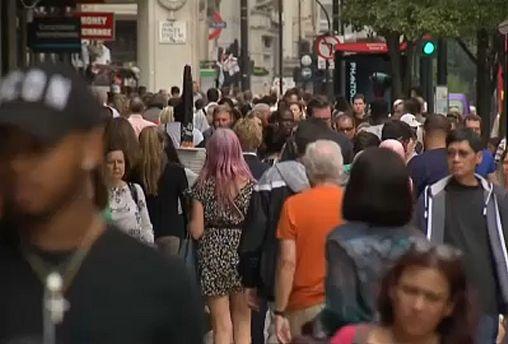 Brexit: meno cittadini dell'Ue scelgono di trasferirsi in Regno Unito