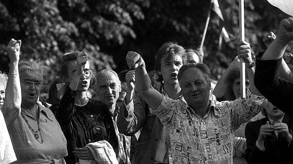 ۳۰ سال از تشکیل زنجیره انسانی در کشورهای حوزه دریای بالتیک گذشت
