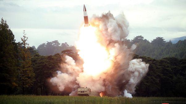 Kuzey Kore'nin yeni füze denemesine Trump yorumu: Kim Jong Un bana karşı dürüst biri