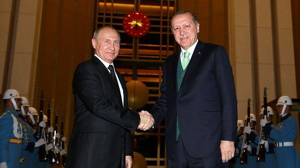 أردوغان لبوتين: هجوم الجيش السوري يهدد الأمن القومي التركي