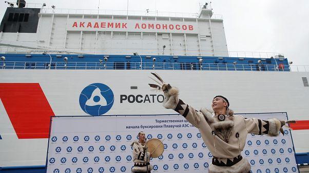 Az oroszok vízre bocsátották a világ első úszó atomerőművét