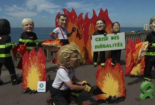 G7 de Biarritz : Oxfam met en scène les « pompiers pyromanes »