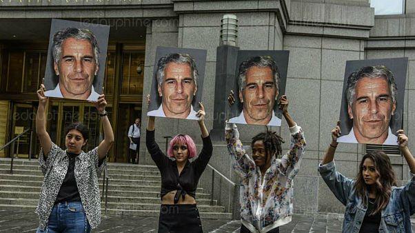 Fransa, ABD'de cezaevinde intihar eden Epstein'e 'çocuğa tecavüz' suçlamasıyla soruşturma başlattı
