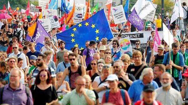 Mehr als 35.000 bei Unteilbar-Demo für mehr Solidarität in Dresden