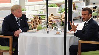 Macron és Trump ebéde a csúcs előtt Biarritzban