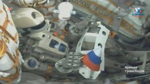 ربات انساننمای «فدور» به هنگام پرتاب به فضا در ایستگاه فضایی بایکانور قزاقستان در ۲۲ اوت