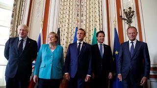 G7 ülkelerinin liderleri toplantı öncesi bir araya geldi (Boris Johnson, Angela Merkel, Emmanuel Maron, Giuseppe Conte, Donald Tusk)