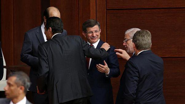 Davutoğlu'nun 'terör defteri açılırsa' sözleri için HDP'den araştırma önergesi