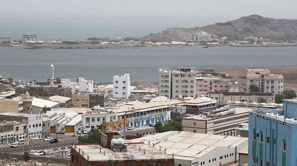 Husiler: İHA ile Suudi Arabistan'ın güneybatısında havalimanını vurduk