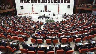 Kulis: AK Parti ile CHP, yönetim şeklinin revizyonu için heyetler düzeyinde görüşüyor