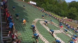 """شاهد: 1800 رياضي يشاركون في سباق """"ال400 متر الأصعب في العالم"""""""