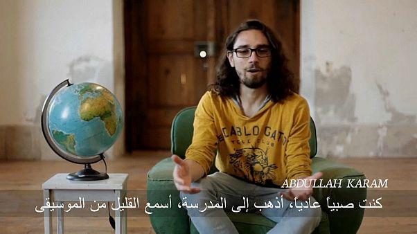 عبد الله كرم متحدثاً إلى أسوشييتد برس