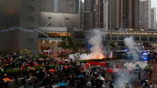 12 éves tüntetőt is őrizetbe vettek Hongkongban