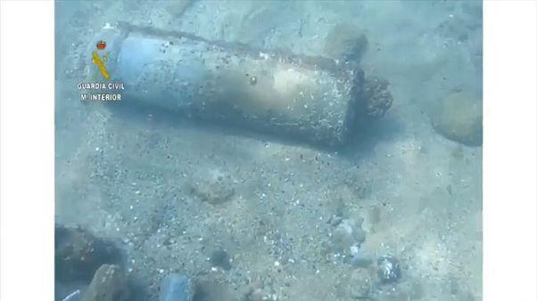 La bomba, que mide 1,10 metros de largo y 80 centímetros de diámetro, podría contener 70 kilos de trilita