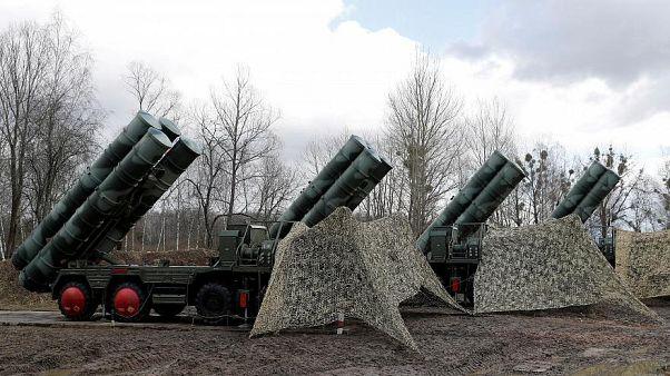 نظام صواريخ أرض-جو جديد من طراز إس 400 بقاعدة عسكرية في روسيا