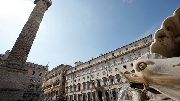 Ore decisive per la crisi politica in Italia