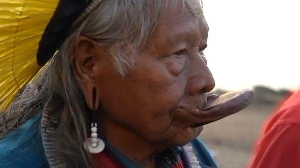 Indigener Häuptling Raoni dankt G7 und stellt sich gegen Bolsonaro