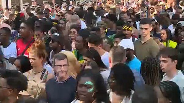 Carnaval de Notting Hill aquece Londres