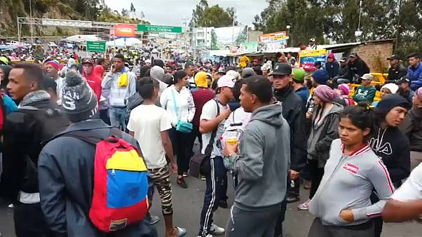 Des Vénézuéliens ont bloqué un poste-frontière de l'Equateur pour dénoncer le visa humanitaire