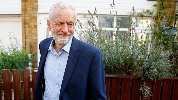 توافق احزاب مخالف دولت بریتانیا برای جلوگیری از برکسیت بدون توافق