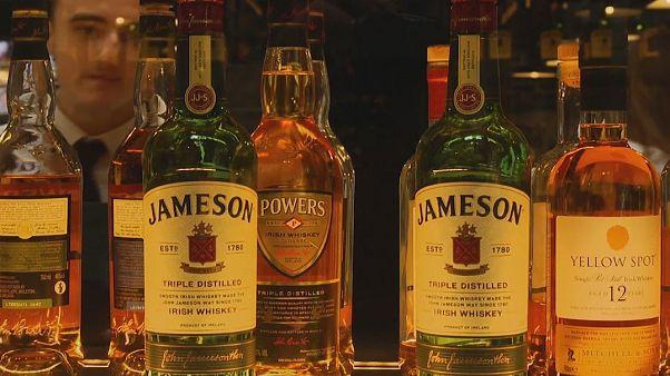 Il whiskey irlandese raddoppia le vendite nel mondo grazie ai cocktail dei millennial