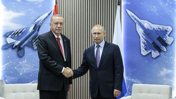 Rússia e Turquia de acordo com ações na Síria