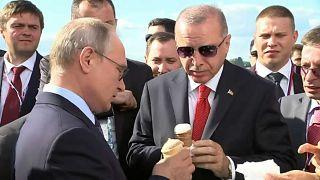 Video | Rusya Devlet Başkanı Putin Cumhurbaşkanı Erdoğan'a dondurma ısmarladı