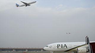 پاکستان بستن حریم هوایی خود به روی هند را بررسی میکند