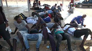 40 migrantes morrem em naufrágio no Mediterrâneo