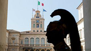 از سرگیری مذاکره میان حزب دموکرات و جنبش پنج ستاره برای تشکیل دولت و جلوگیری از انحلال پارلمان