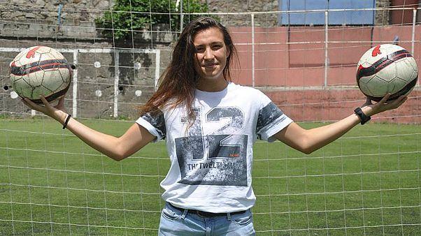 ABD'ye transfer olan Türk milli kadın futbolcu ilk maçında attığı golle taraftarı büyüledi