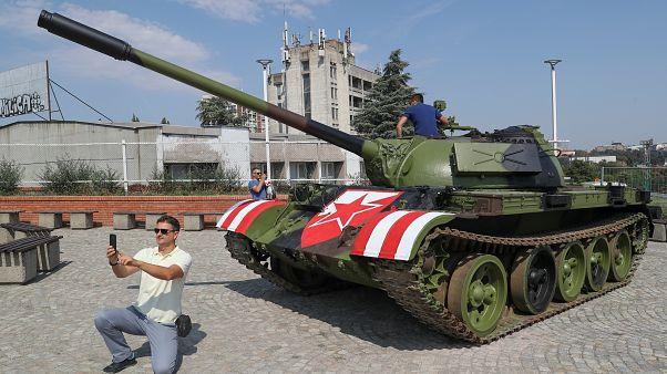 شاهد: دبابة في استعدادات جماهير النجم الأحمر الصربي للقاء يانغ بويز