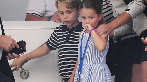 «Μπαλαρίνοι» στην Tάιμς Σκουέρ για τον Πρίγκιπα Τζορτζ