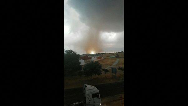 Tornados en Málaga y tromba de agua en Mallorca