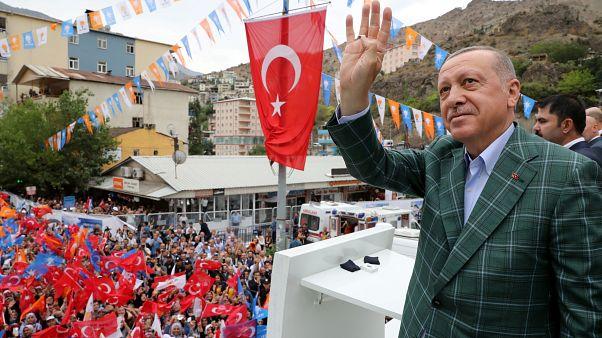 Az új isztambuli főpolgármester beszüntette az Erdogan-féle alapítványok milliárdos támogatását