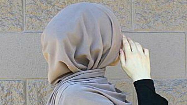 بناءً على دعوى رفعتها تلميذة مسلمة.. محكمة بلجيكية تصدر قراراً ضد حظر الحجاب