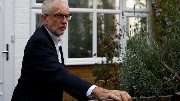 """Jeremy Corbyn dice a Isabel II que suspender el Parlamento no es """"aceptable"""""""