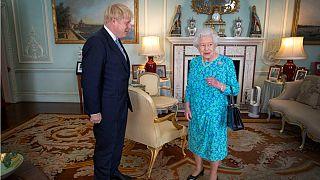 ملکه بریتانیا با درخواست بوریس جانسون برای تعلیق پارلمان موافقت کرد