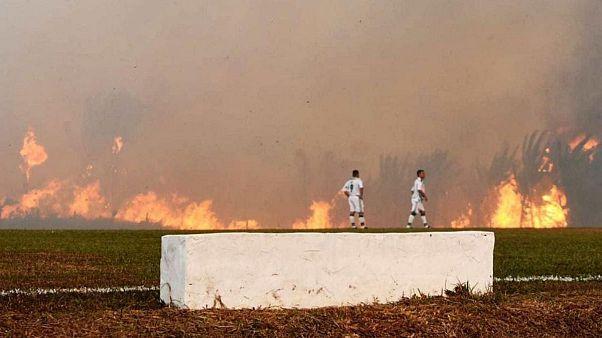 آتشسوزی آمازون بازی فوتبال در برزیل را در دقیقه ۶ متوقف کرد