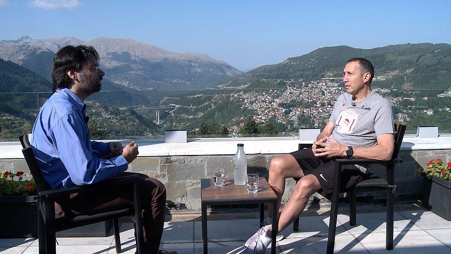 Ο Ντέιβιντ Μπλατ στο euronews