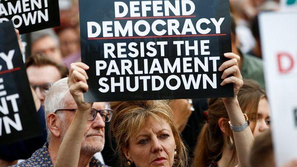 Indignación y protestas en el Reino Unido por el cierre del Parlamento