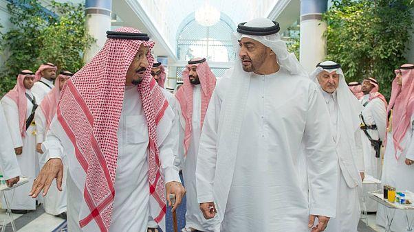 """أبوظبي تخلخل التحالف مع الرياض والملك سلمان أبدى """"انزعاجه الشديد"""" من الإمارات"""