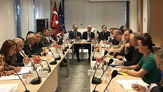 AB büyükelçileri görevden alınan belediye başkanlarıyla buluştu