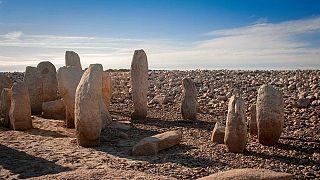 Kuraklık 5 bin yıllık taş anıtları ortaya çıkardı