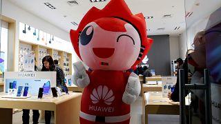Huawei Mate 30 modeli lisanslı Google ürünleriyle birlikte satılamayacak
