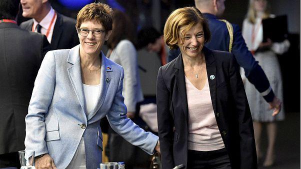 وزراء دفاع فرانسه و آلمان در آستانه برگزاری نشست روز پنجشنبه وزارء دفاع اتحادیه اروپا در فنلاند